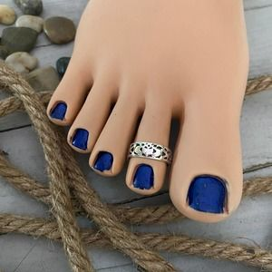 Sterling Silver Claddagh Band Toe Ring